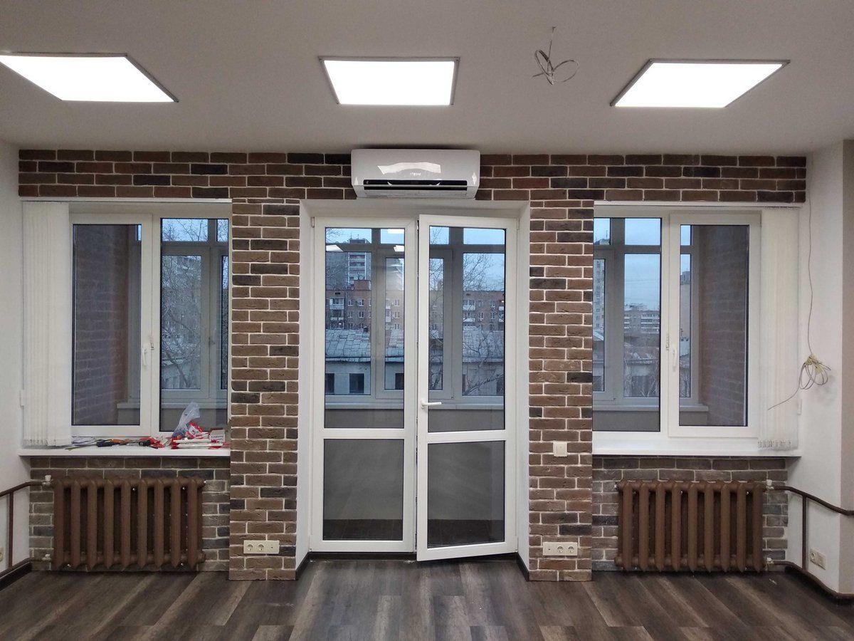 Балконные пластиковые двери со стеклом