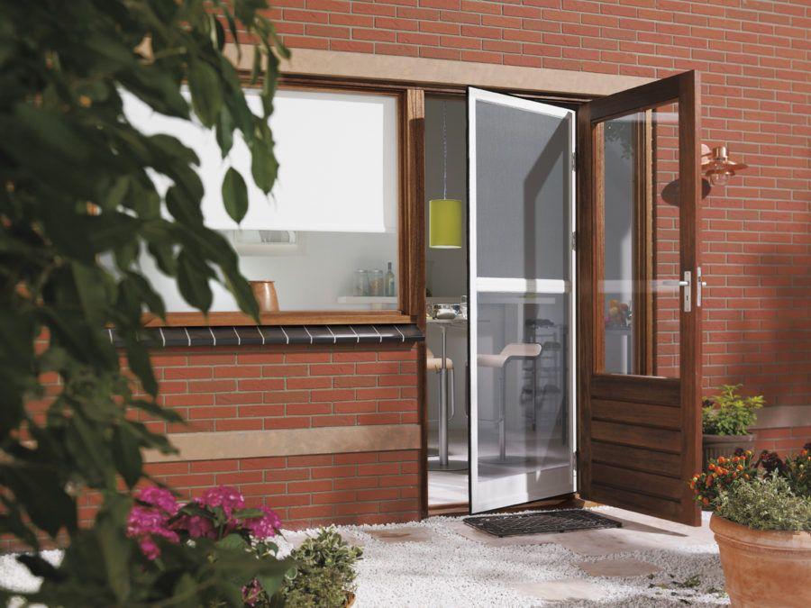 Заказать пластиковые двери Рехау