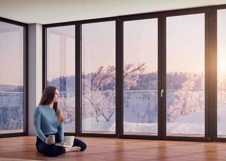 Пластиковые панорамные окна Rehau