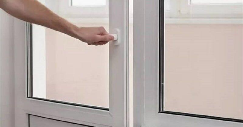 Заклинило балконную дверь