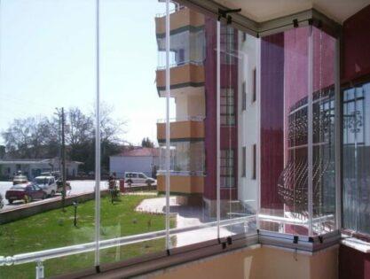 Безрамное остекление для балкона